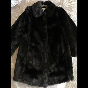 NWOT H&M Faux Fur Coat in Black